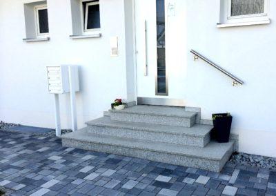 EingangstreppeHauseingangBERNHARD_BURGER